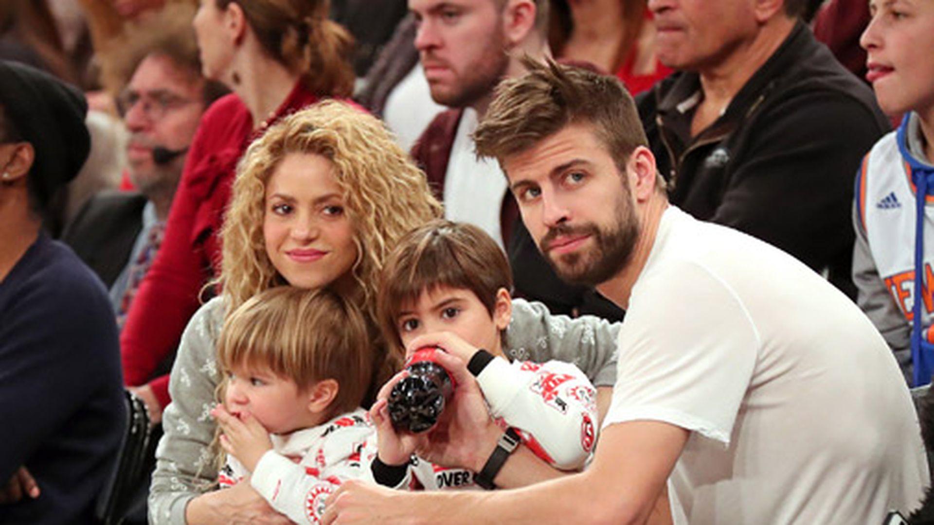 Семья Пике - жена Шакира и 2 маленьких сына