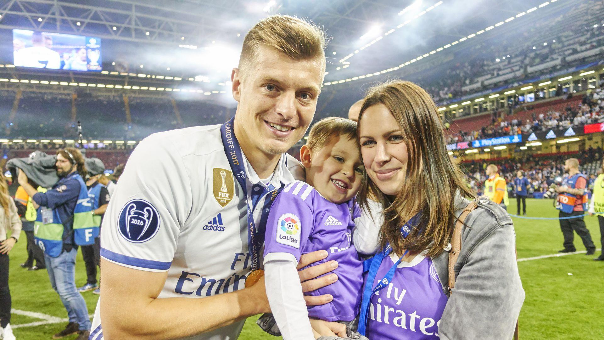 Тони Кроос с семьёй